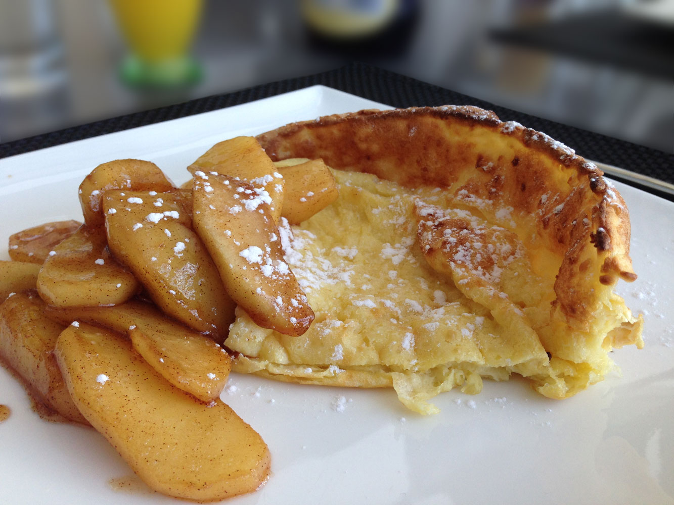 German Pancake with Cinnamon Apples