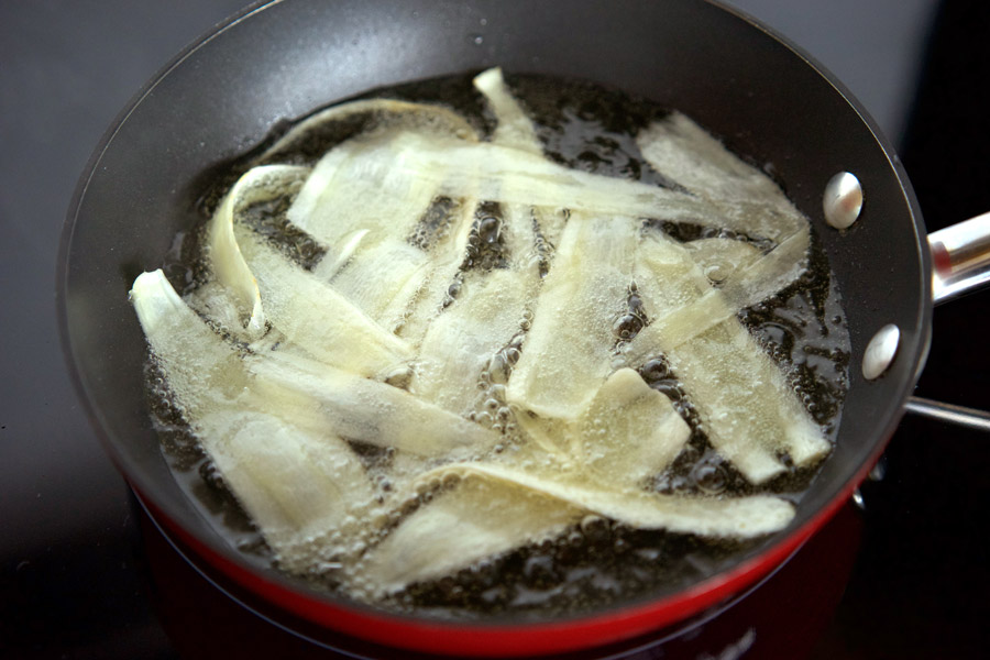 Parsnip strips sizzle in vegetable oil