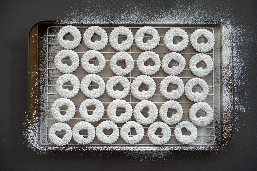 Dusting Sugar on to Linzer Cookie Tops