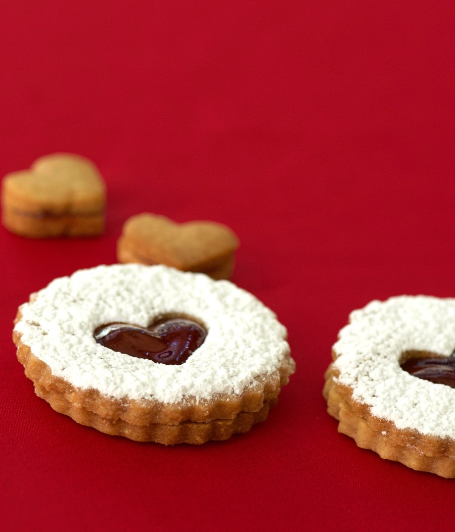 Linzer cookies with hearts